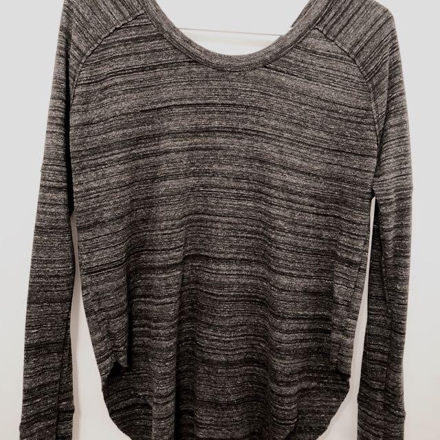 Aritzia/TNA long sleeve shirt