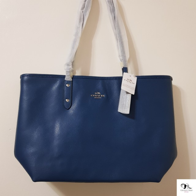 1cff061ac21 ... sweden authentic coach zip tote bag sale 295.00 original price preloved womens  fashion bags wallets on
