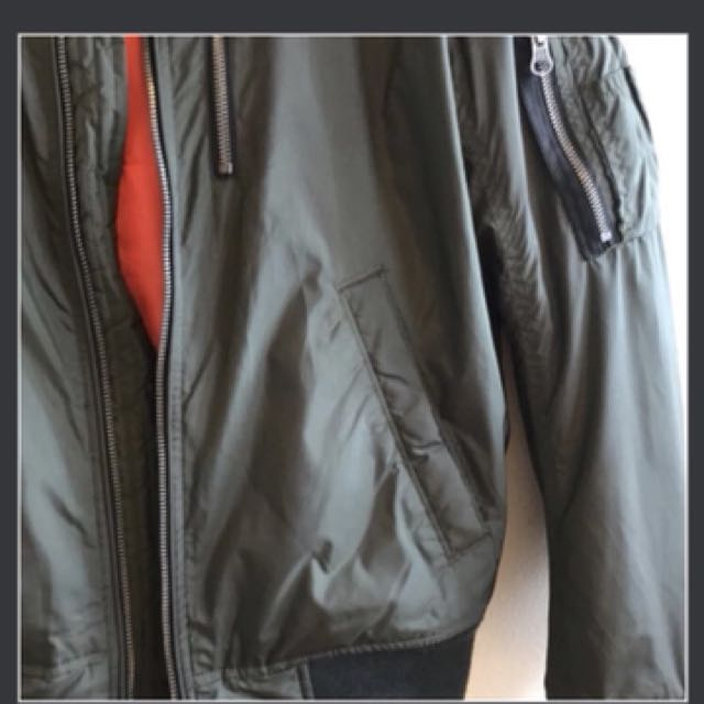 Bomber jacket (American eagle)