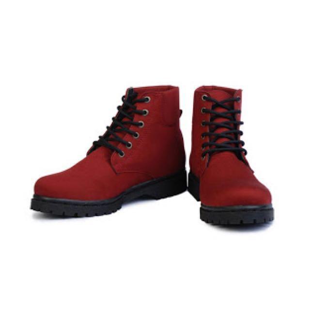 Boots Harper Warna Maroon