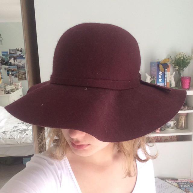 Burgundy red floppy summer hat