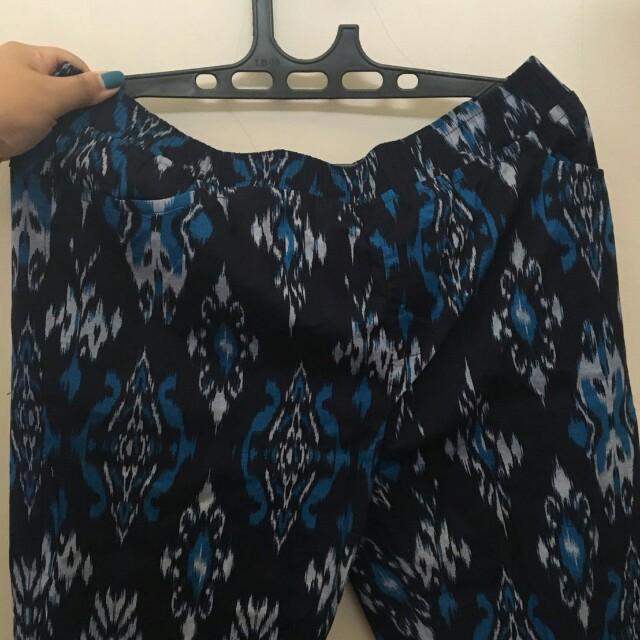 Celana katun motiblf batik