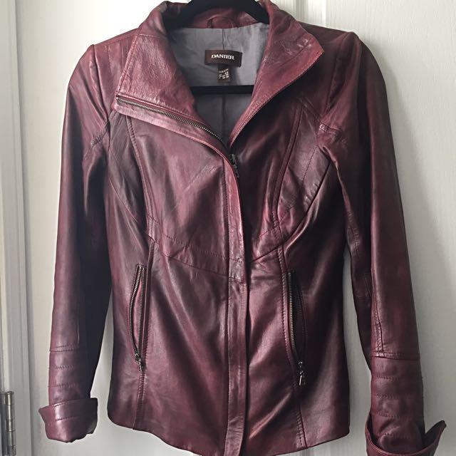DANIER Leather Jacket W/ Zipper Closure & Side Zipper Cuff