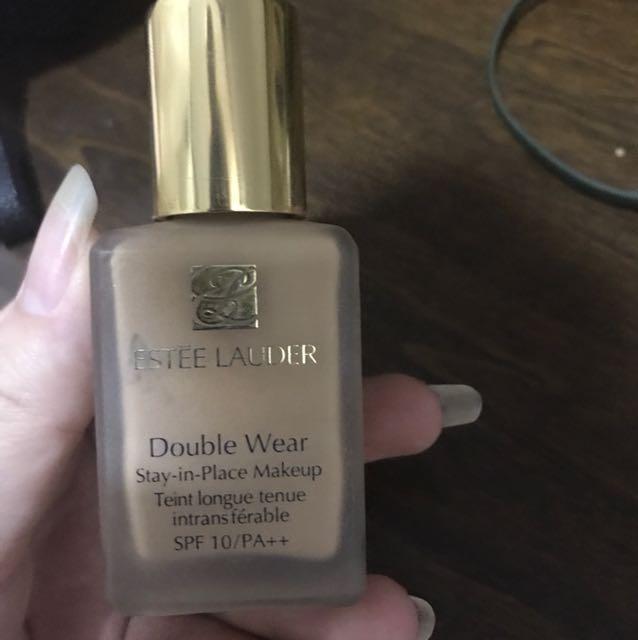Estée Lauder Double Wear Foundation