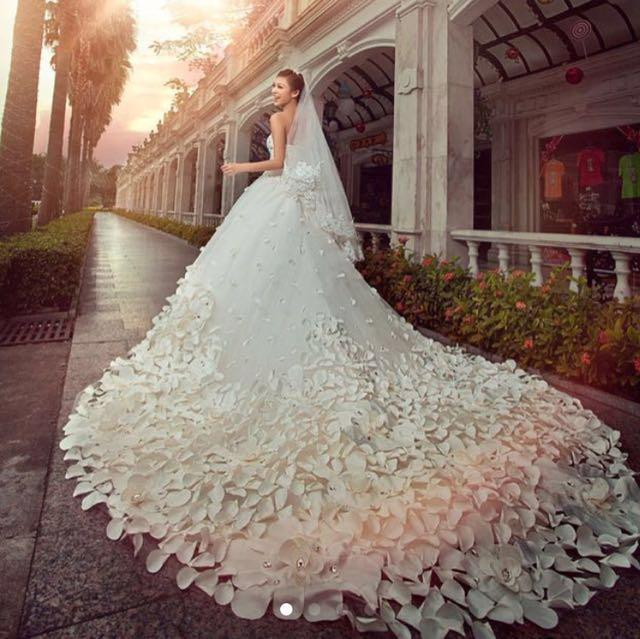 🤩Gorgeous Wedding Gown Long Train