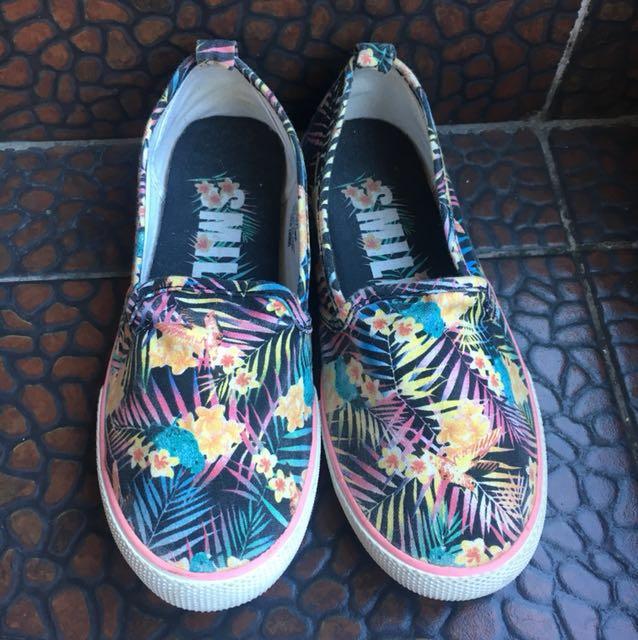 H&M printed shoes