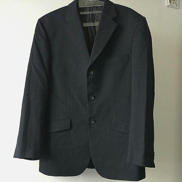 Jas Wool warna hitam