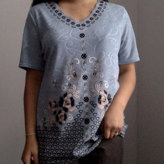 L sparkly blouse