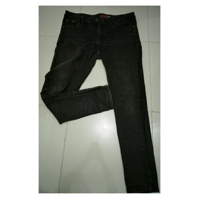 logo celana jeans wanita coklat (preloved)