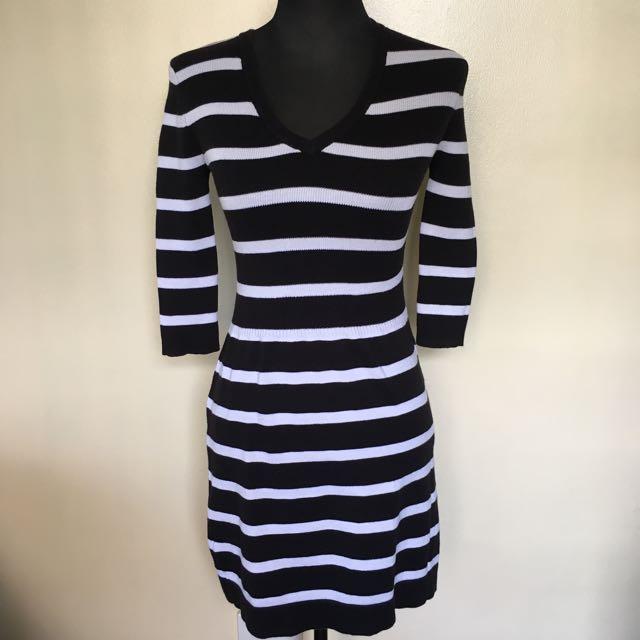 Mango v-neck knit dress, bodycon