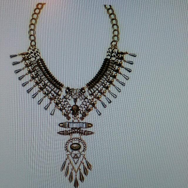 mark.By Avon Tough It Out Necklace