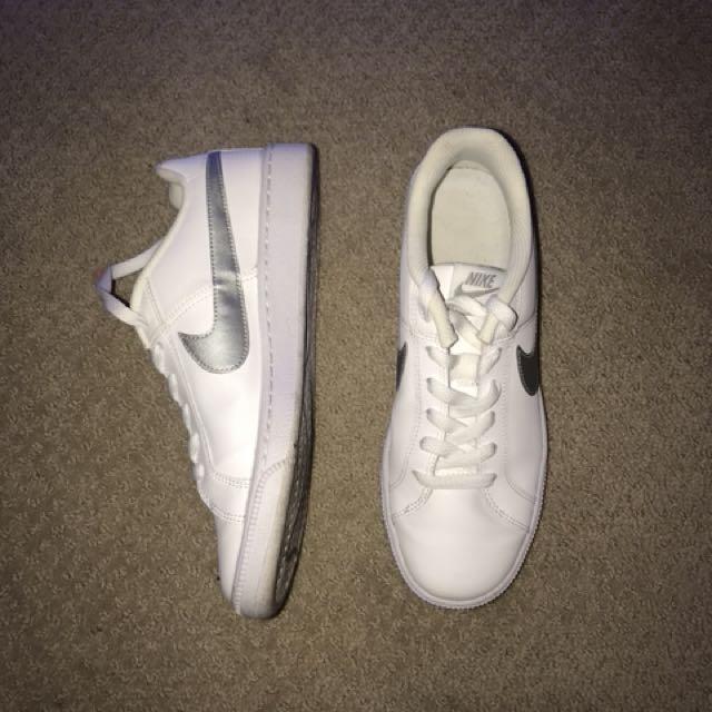 Nike Court Royal size 8.5