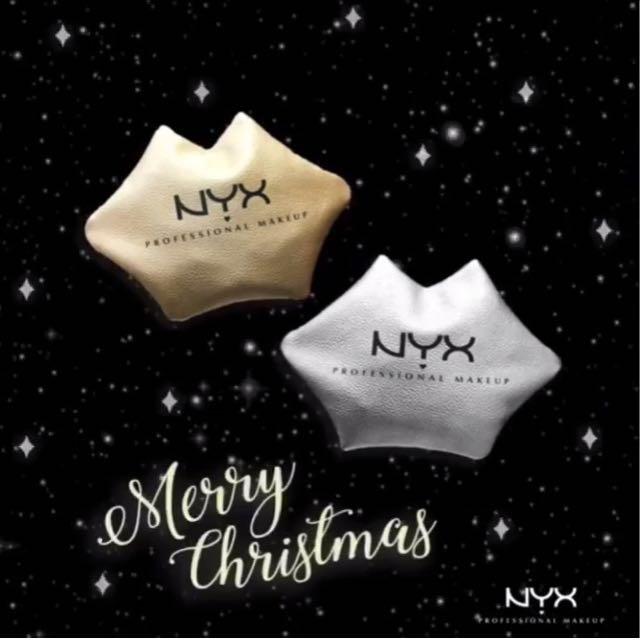 NXY聖誕版的嘴唇化妝包👄
