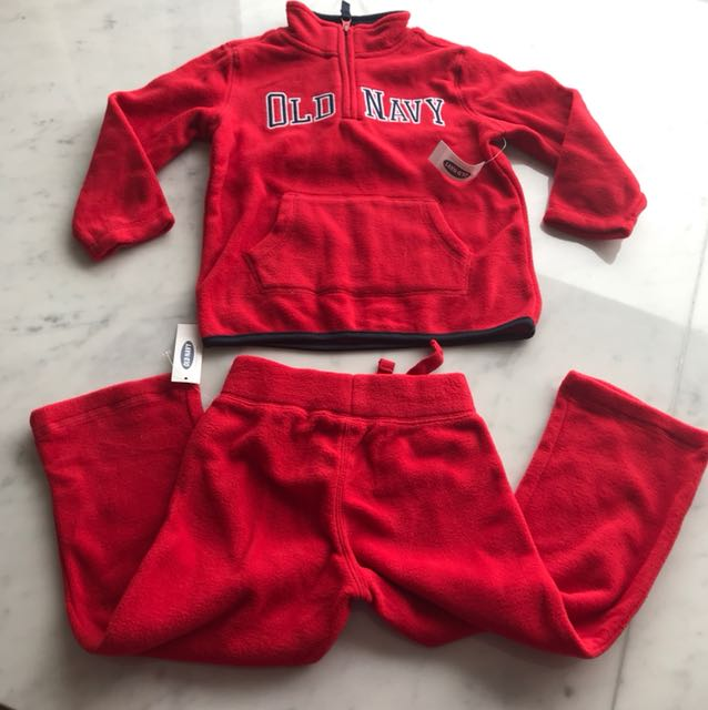 Old Navy fleece long sleeves and pants set