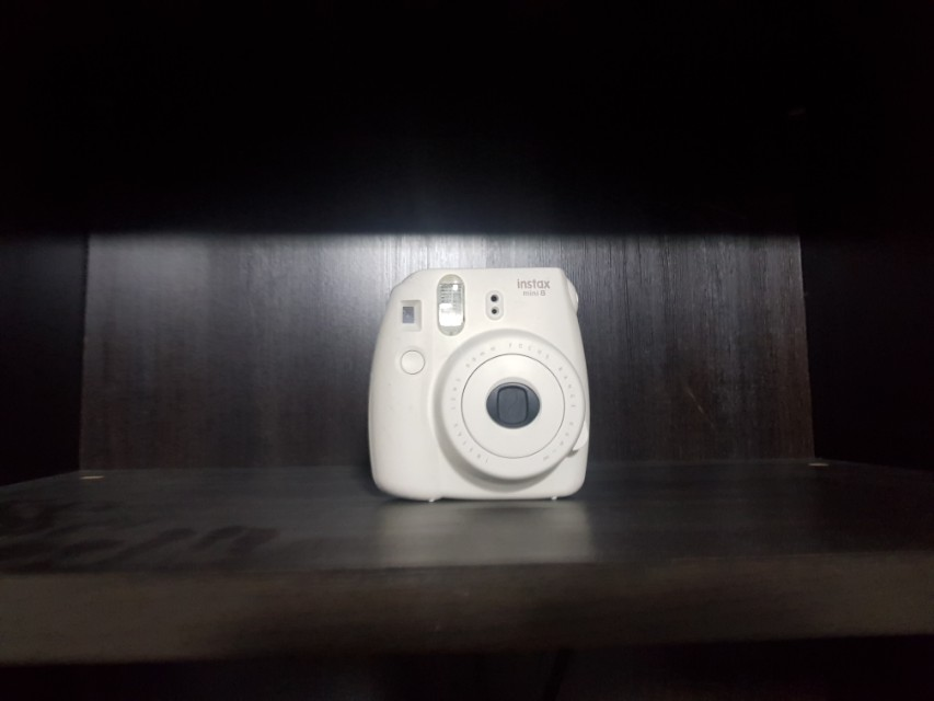 Polaroid camera instax 8