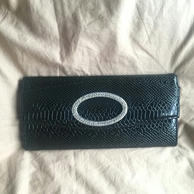 Preloved Woman Leather Clutch from Japan