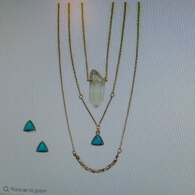 Quartz Amulet Layered Necklace And Hearing Set.