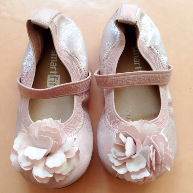 Sepatu Smart Fit by Payless
