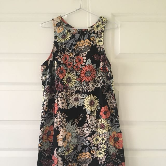 Size 10 | All About Eve Slim Floral Dress