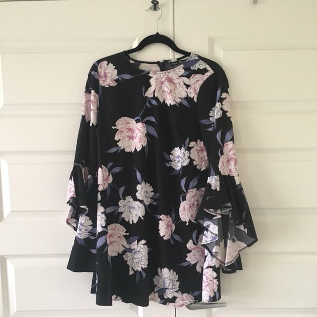 Size 10 | Floral Dress With Flared Arms