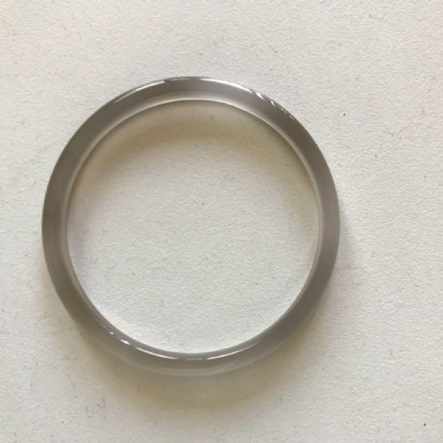 Thin band glass/plastic bangle
