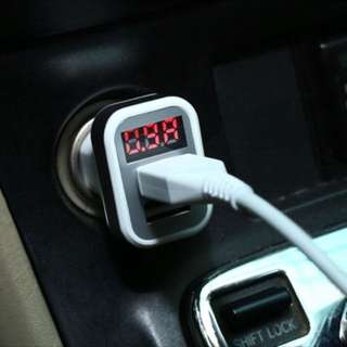 Voltmeter display with dual USB cahrger