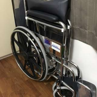 Wheelchair (Like new)