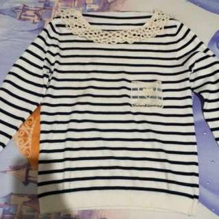 [NEW] Black and White Stripes Shirt w/ Laces