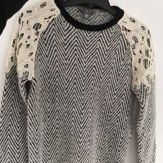 Guess Sweater Black And White