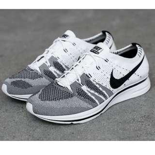 4c22e2628152 Nike Flyknit Trainer Black White Oreo Yeknit