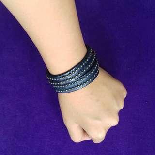 Gelang Wanita Navy blue leather