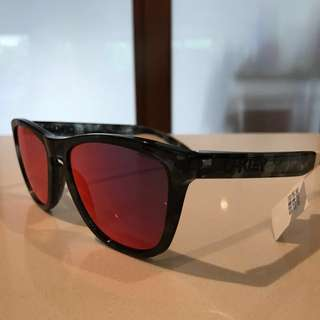 Oakley Frogskins Sunglasses Limited Edition BNIB