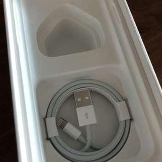 跟機全新 Charging cable