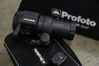 Profoto B1 complete with trigger & softbox.