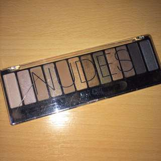 Chichi nudes eyeshadow palette
