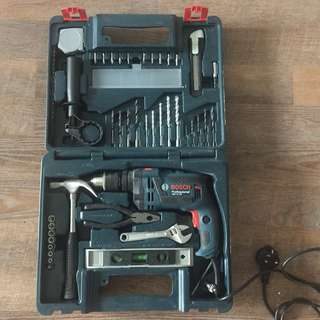 Selling BOSCH GSB 16RE drill set
