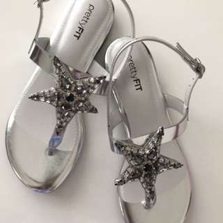 Pretty Fit Handmade Crystal Sandals, Silver colour