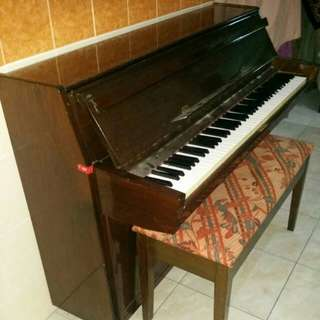 Acoustic Upright Piano