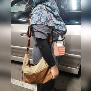 LAISA SLING BAG