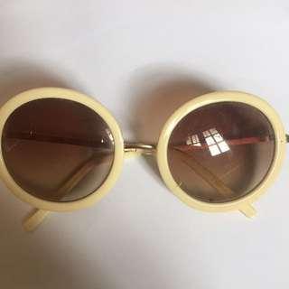 Kacamata Sunglasses Eyewear Putih