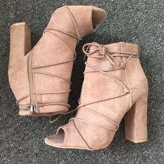 Size 7 Nude open toed boots