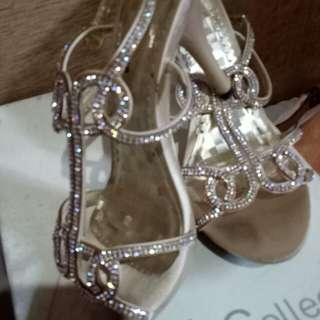 Used once GIBI COLLECTION shoes size 6, 3-inch heels