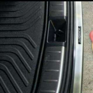 Toyota Harriet trunk protect
