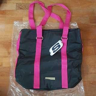 Skechers Bag. BRAND NEW. ORIGINAL.