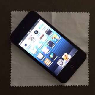 Apple iPod Touch 32GB with Camera