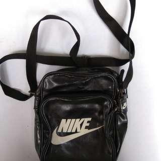 Nike Heritage Shoulder Bag Black Legit!