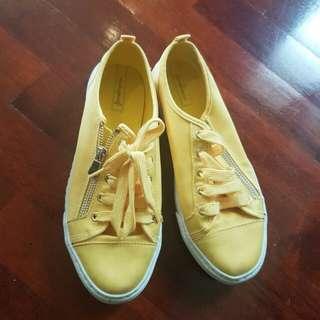 Stradivarius yellow shoes