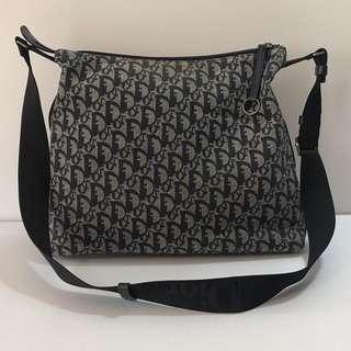 二手真品 Dior 稀有經典藍黑色logo斜背包/肩背包/男女均可