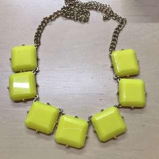 Kalung kuning
