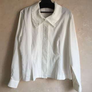 購自日本古著白色繡花襯衫9成半新日本製